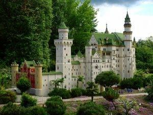 lego-castle-300x225-1